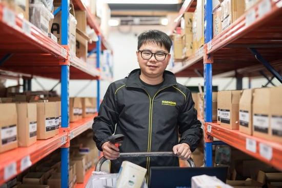 Asendia SG warehouse staff